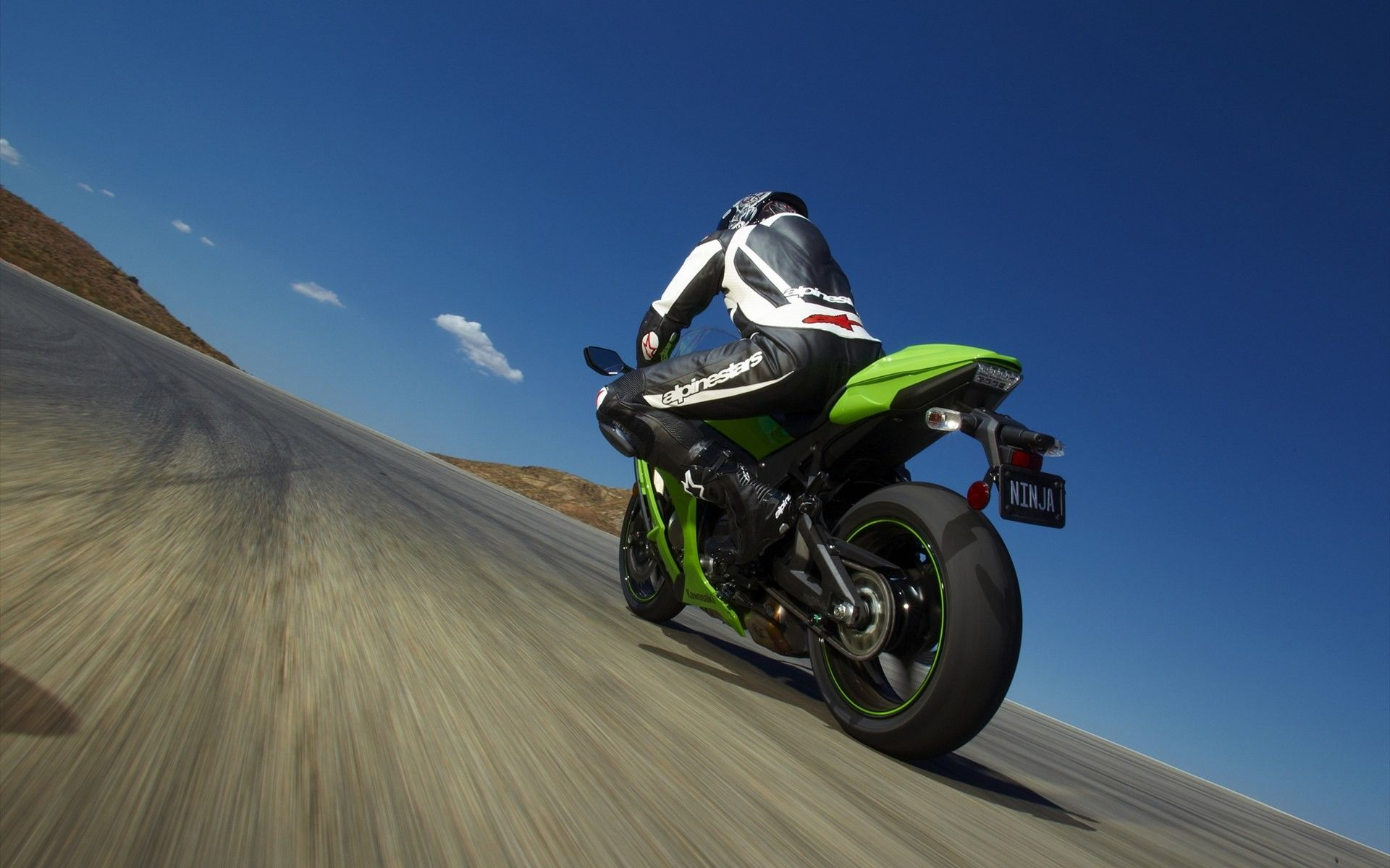 Kawasaki Ninja Wallpaper HD