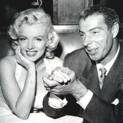 Marilyn Monroe May Have Dated Some Pretty Powerful Guys But No Man Showed Her More Love Than J Joe Dimaggio Marilyn Monroe Marilyn Monroe Wedding Joe Dimaggio