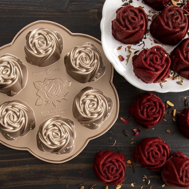 Rosebud Cake Pan