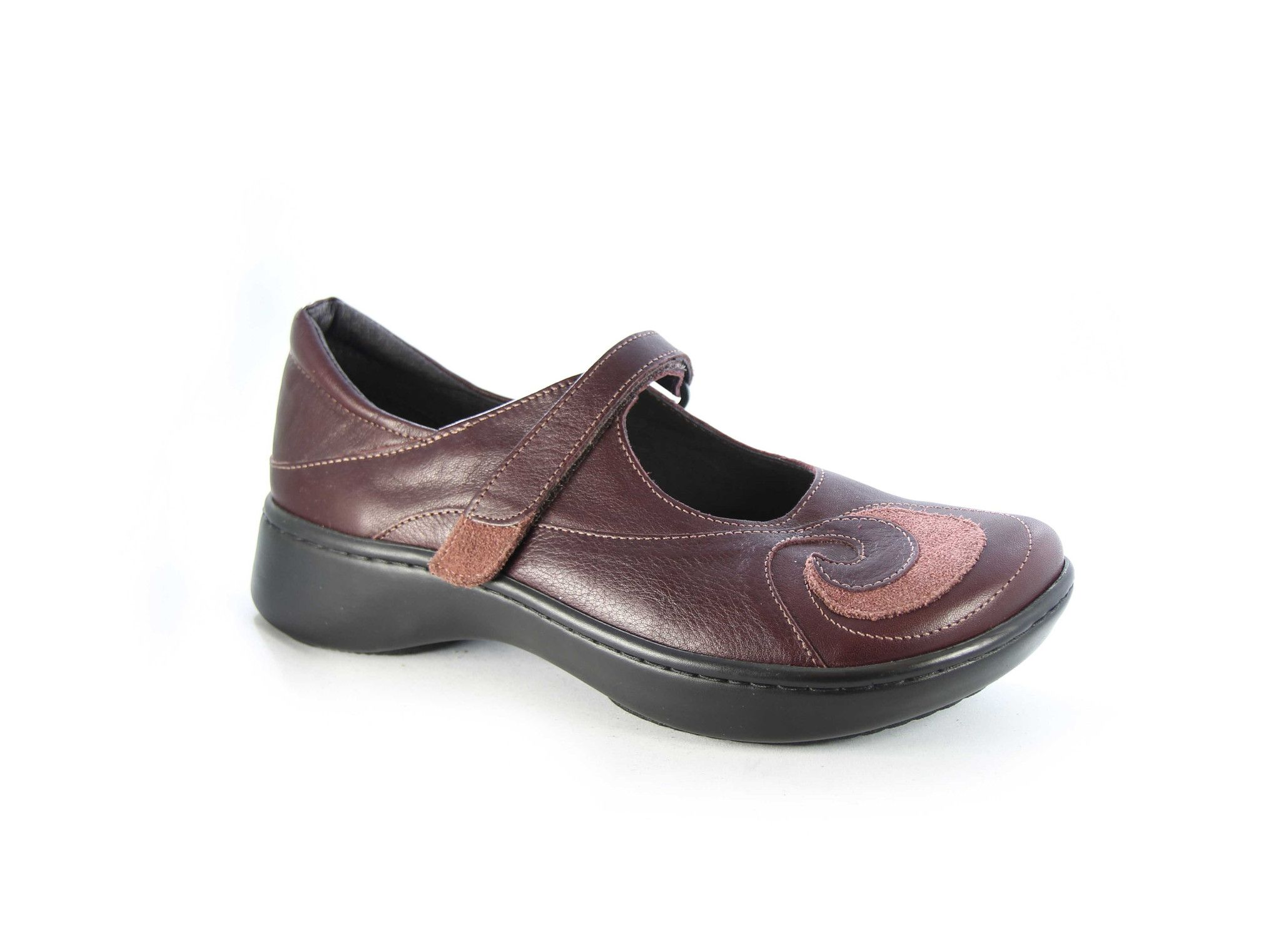 Naot casual shoe - removable footbed available from ladies size 35- 42  size 4 - size 11 Shell Collection. Available in 4 colours!