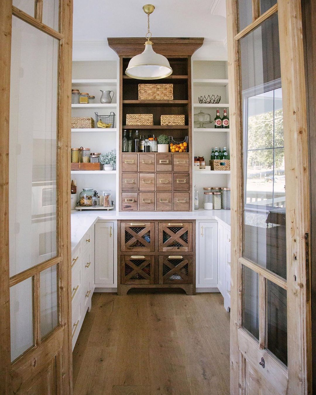 A Simplified Home for Spring: Tips on Getting Organized from Blogger Emily Ley – Cottage Journal
