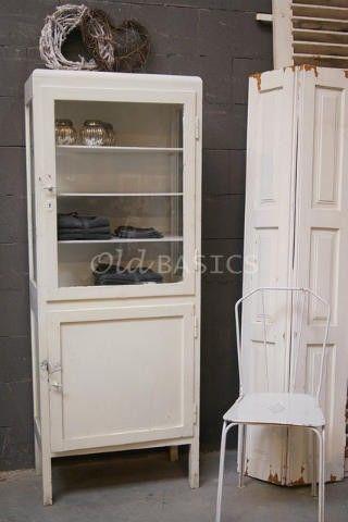 oude brocante apothekerskast, leuk in de badkamer! te koop bij old, Badkamer