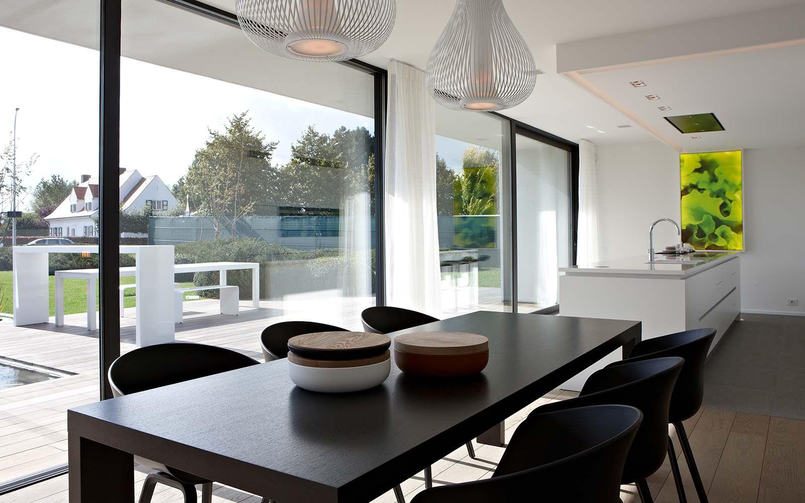 Kijkwoning tielt dumobil eetkamer huis buitenkant pinterest villas met and modern - Moderne woonkamer eetkamer ...