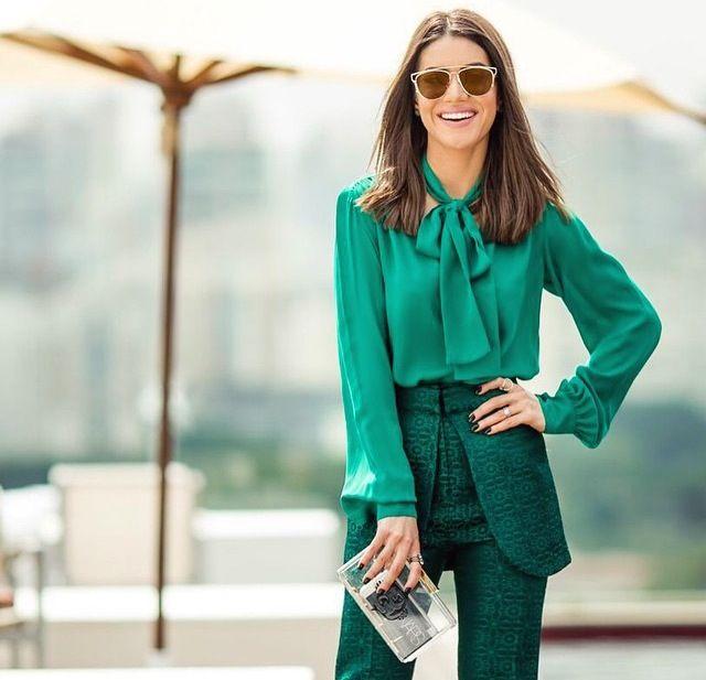 Camila Coelho veste Reinaldo Lourenço