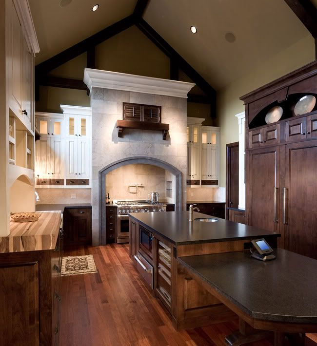 cabinets with crown molding at vaulted ceiling anyone have cabinets with crown molding on kitchen cabinets vaulted ceiling id=81185