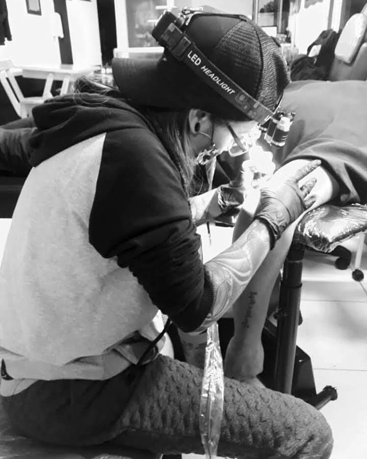 Sólo quiero regresar... 😢 #tattoocolombia #tatuajescolombia #tattoo #tattooed #tattooer #femaletattooartist #femaletattoo #quarantinelife #quarantine #cuarentena #positivevibes #goodvibes #vibes #cali #bogota #calico #caliescali #inked #inkedboy  #instagood #inkedgirls #instacollage