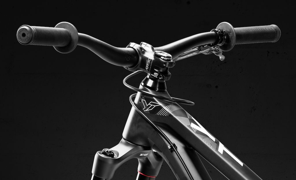 886f8700614 YT Launches Limited Edition Play Slopestyle Bike | bici pure ...