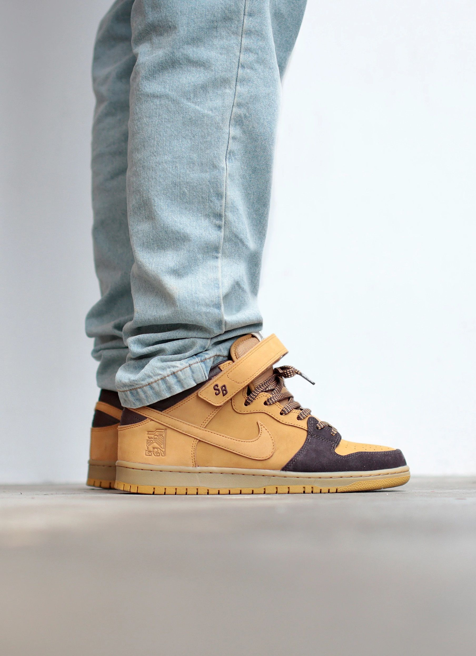 Nike SB Dunk Mid Pro 'Lewis Marnell' in