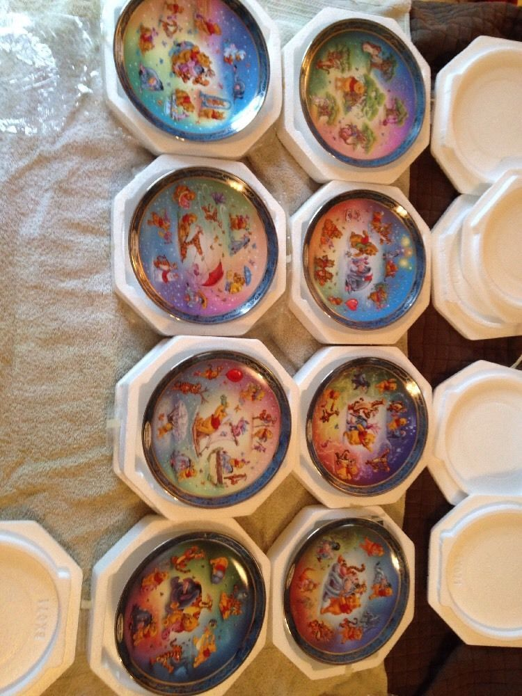 Disney collector plates Winnie-The-Pooh Lot Of 8 Hundred Acre Homes Beautiful & Disney collector plates Winnie-The-Pooh Lot Of 8 Hundred Acre Homes ...