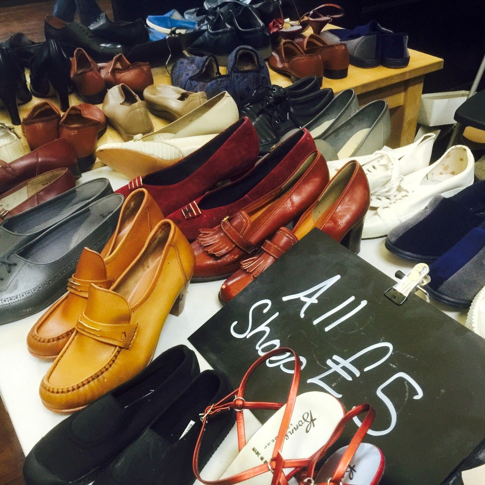 Vintage Kilo Sale Leeds The Tips Fashion Fashion Oxford Shoes Dress Shoes Men