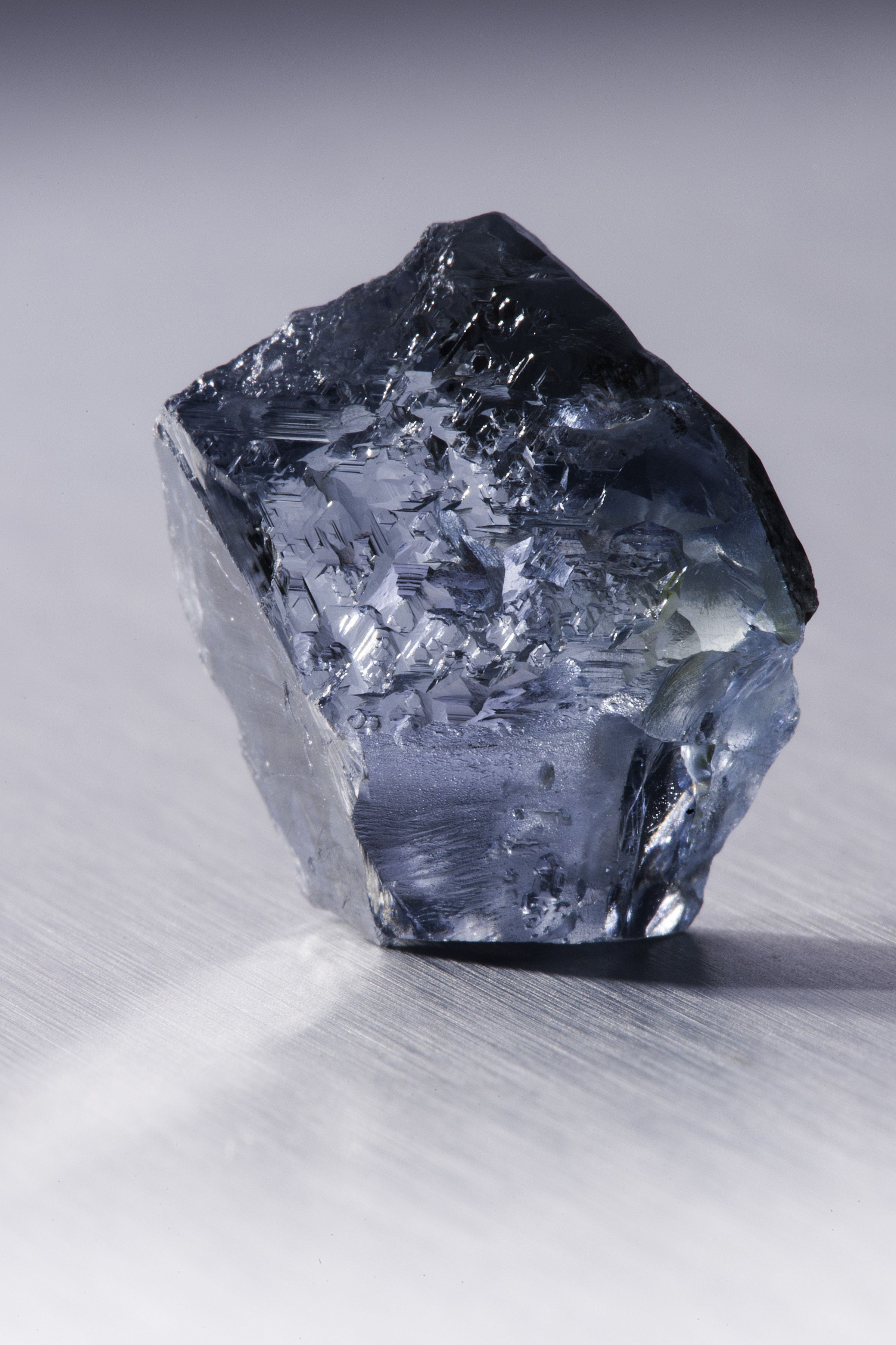 blue diamond // to match your eyes Stones and crystals
