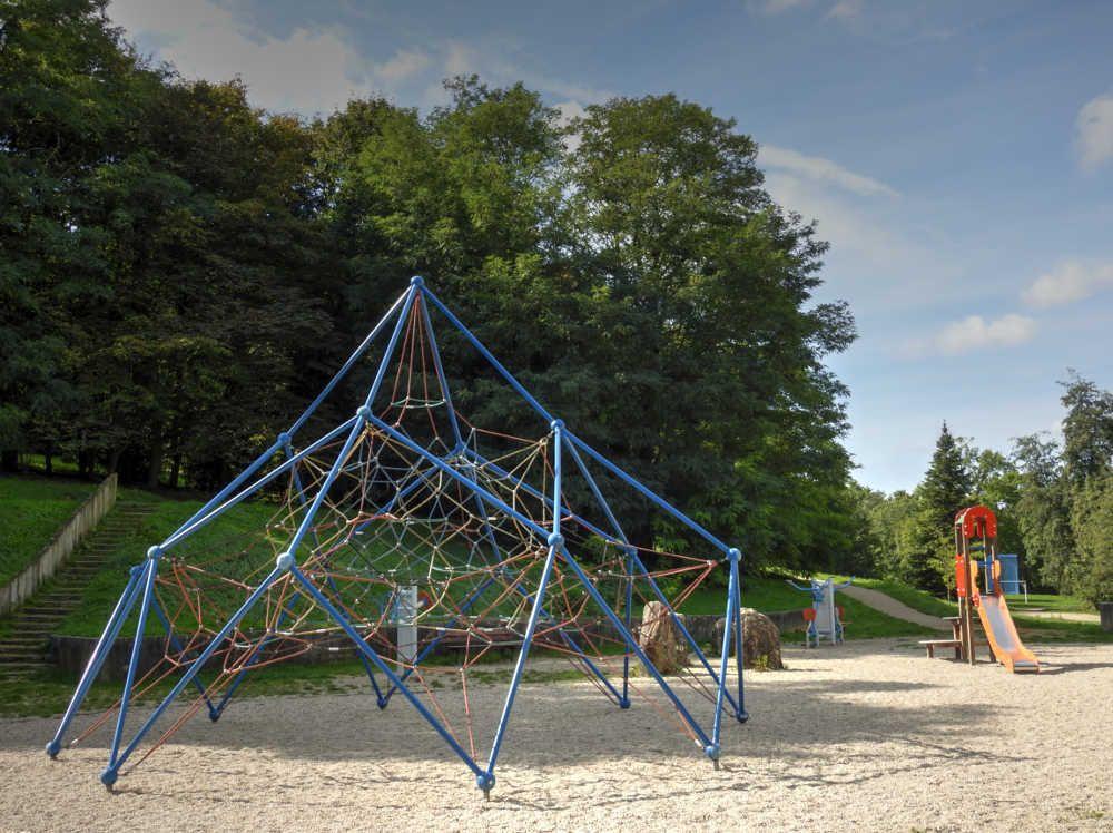 Parc de spelthorne melun jeux pour les enfants seine et marne sortir prendre l 39 air dans - Lieux de pique nique en ile de france ...