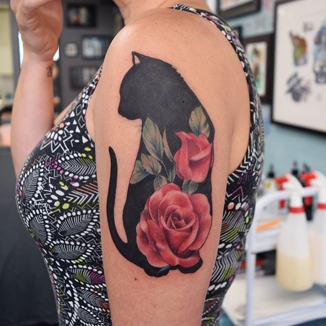 Pin By Susan Kwosek On Mostly Cats Cat Tattoo Designs Silhouette Tattoos Cat Tattoo
