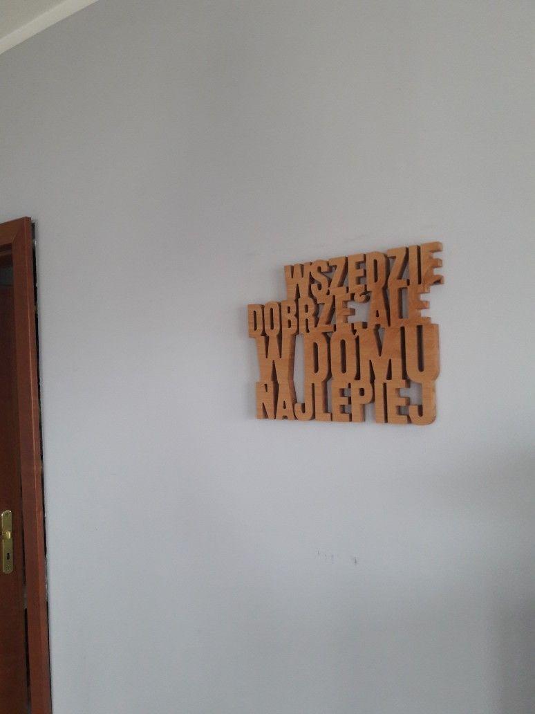 Modne ubrania Wszędzie dobrze, ale w domu najlepiej - dekoracje ścienne z litego JW76