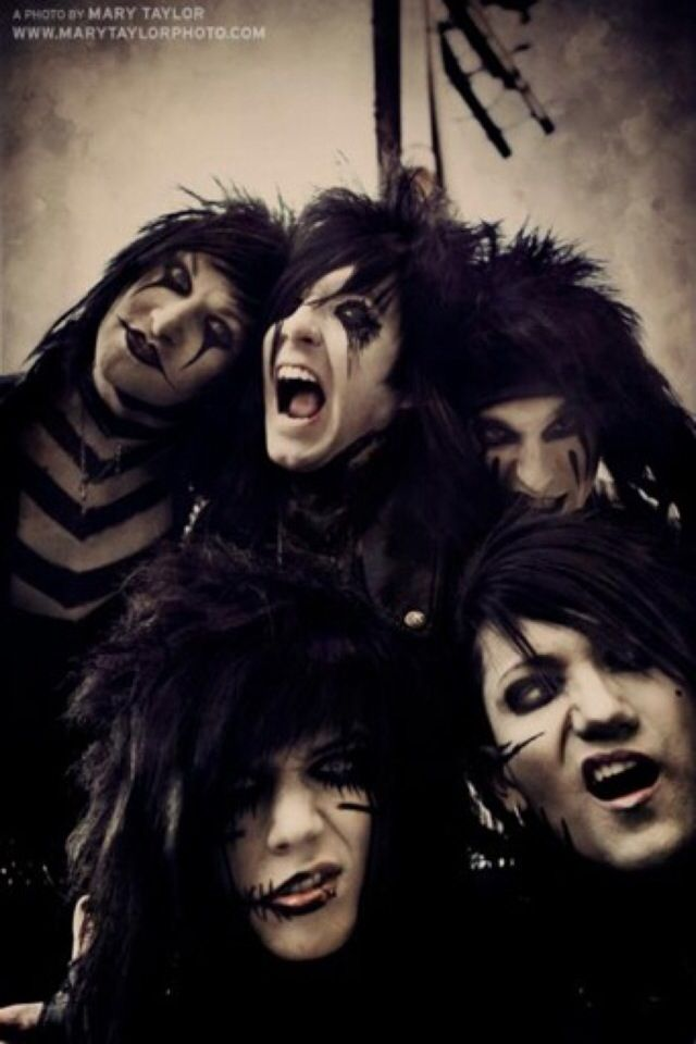 Black veil brides and there silly faces (: