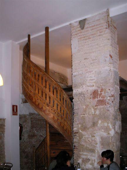 Casa Innsa Escalera medieval de caracol