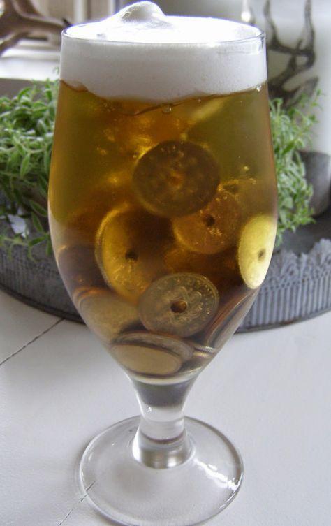DIY - Pengegave. Et stort glas øl med skum på toppen
