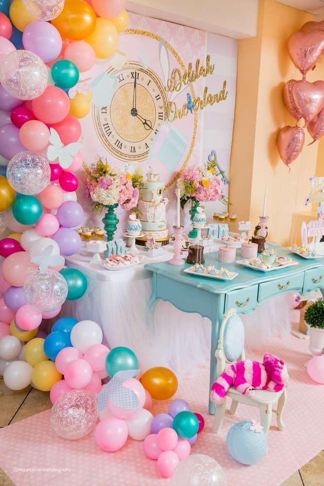Alice In Wondernlad Birthday Party Ideas With Images