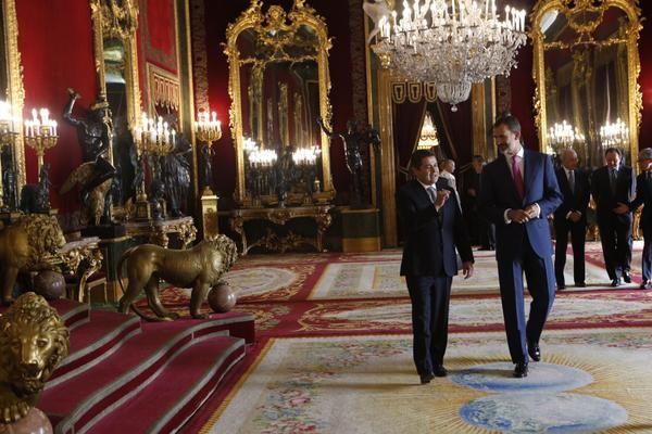 Los Reyes de España organizaron en el Palacio Real de Madrid un almuerzo en honor al presidente de Honduras, Juan Orlando Hernández, y su esposa, Ana García, que se encuentran en visita oficial en España. Madrid 10/1/2014