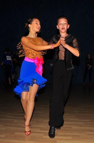 Наши платья в танце - DanceModern - Платья для бальных танцев в Славянске - Детские рейтинговые платья для бальных танцев