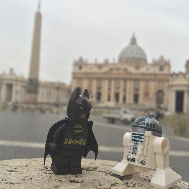 #lego #batman #r2d2 #starwars #roma #vaticano #iglesia #sanpedro #legofigures #legofiguras