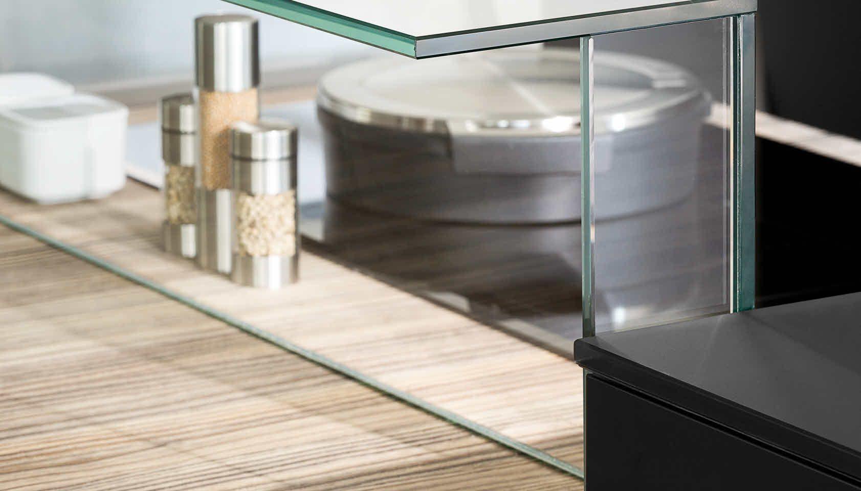 Poggenpohl P´7350 - Design by Porsche Design Studio - Detailansicht Glasaufsatz