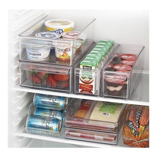 Organizando a geladeira.