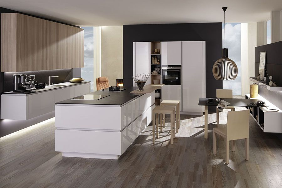 A combination of Rationalu0027s Puro and Lano ranges Modern Kitchens - küchen weiß hochglanz