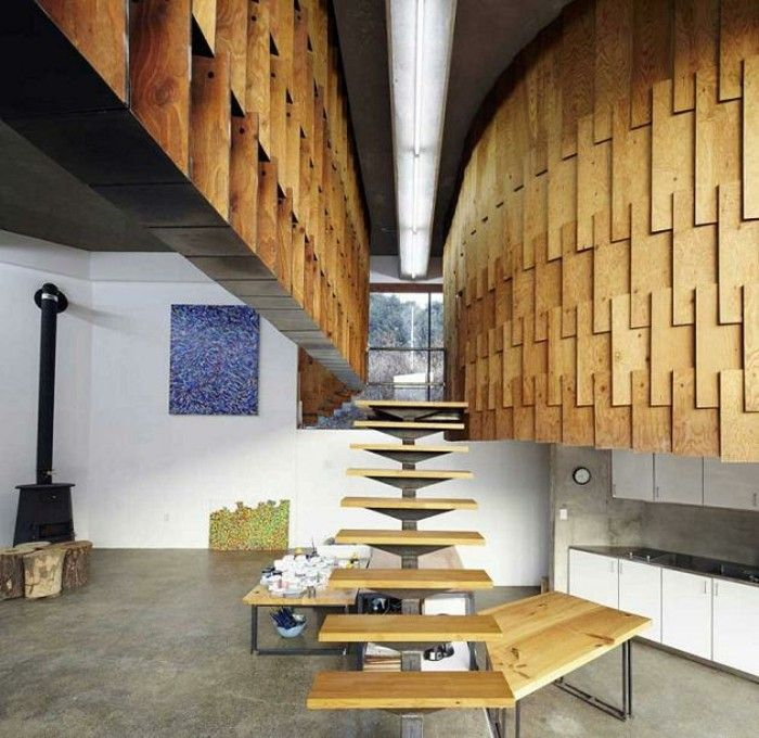 pared y escalera de madera para la casa moderna