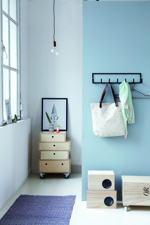 Der Flur Ist Die Visitenkarte Der Wohnung. Helle Farben Lassen Ihn  Freundlich Wirken. #homestory #decoration #hallway #wall #colors #home  #interior