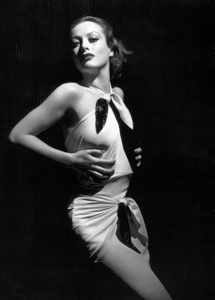 Joan Crawford photographed by George Hurrell for Letty Lynton (1932) Black and white