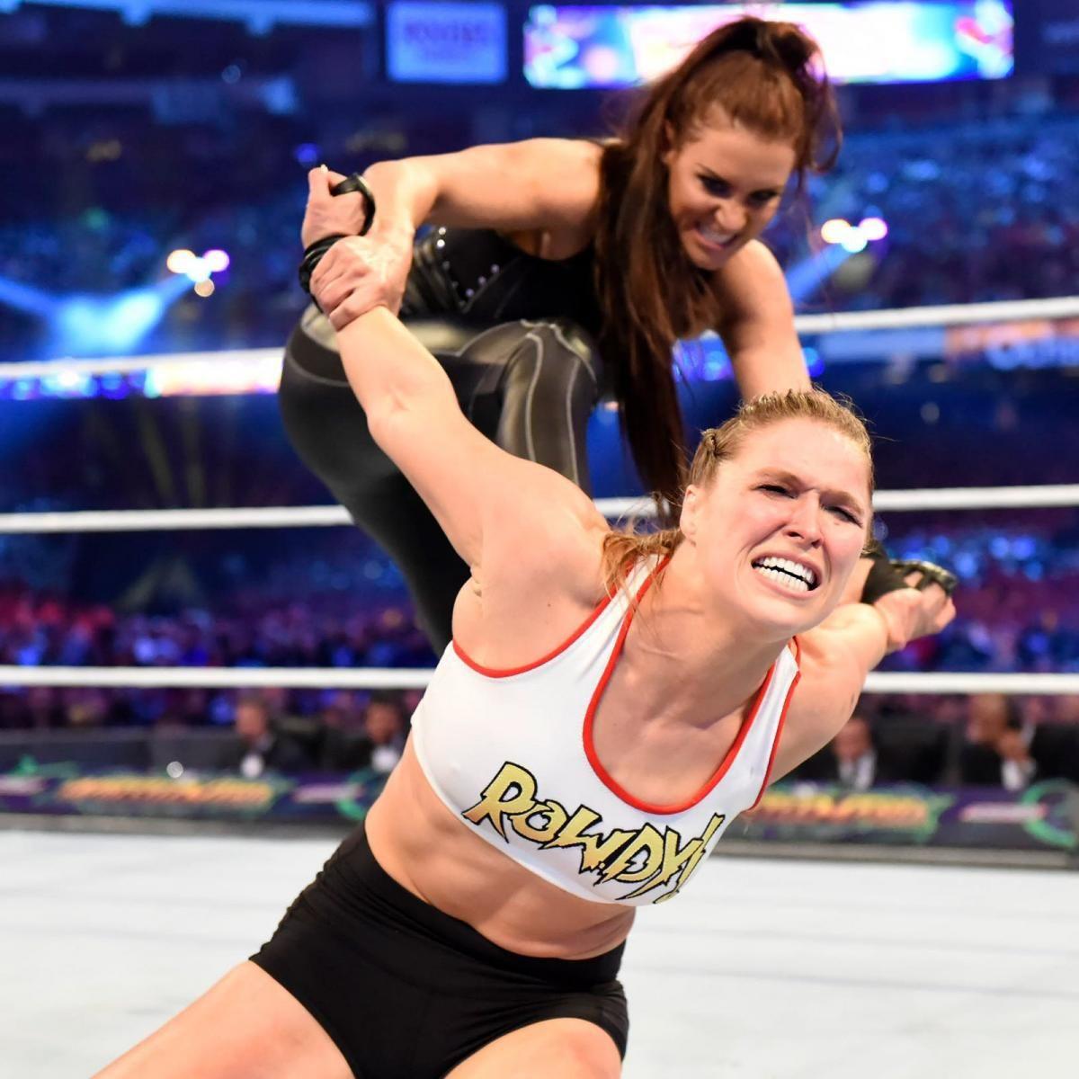 WWE Photo | Ronda rousey, Stephanie mcmahon, Ronda