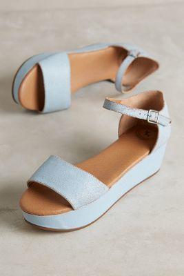 Gee Wawa Daisy Flatforms Sky Sandals #anthrofave