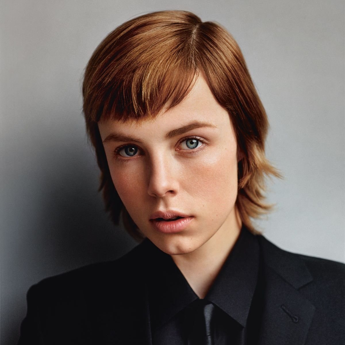 Edie Campbell Is Not Like Other Models Jennifer Ayache Coiffure Et Cheveux