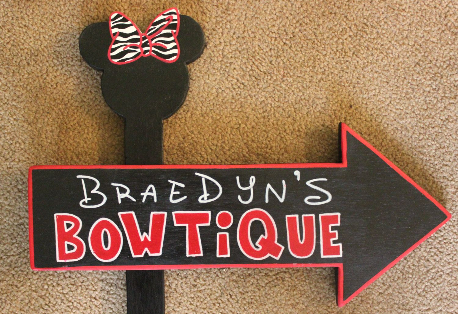 minnie bowtique party ideas | Wood Minnie Mouse BOWTIQUE Specialty Sign - Customizable - Outdoor ...