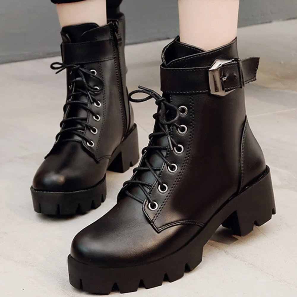 2020 | Boots, Chunky heels boots, Lace