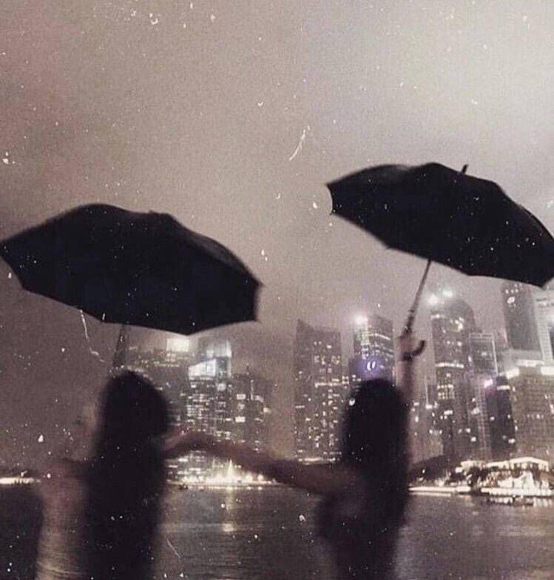 Dancing in the dark ☔ 🌃 on We Heart It
