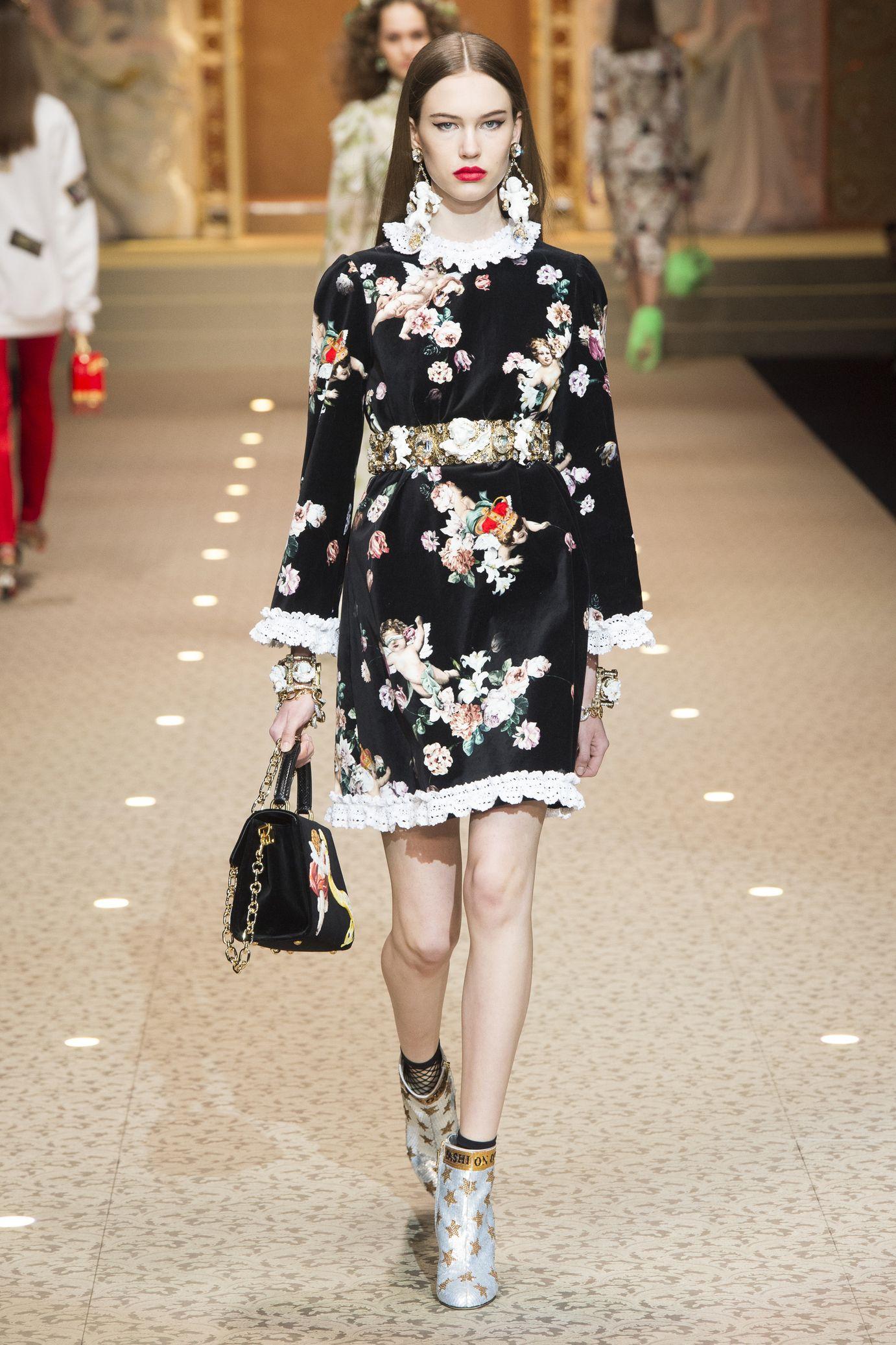 e9e9f4d6f900 Dolce   Gabbana  Ready-to-Wear   FASHION   Ready to wear, Fashion et ...