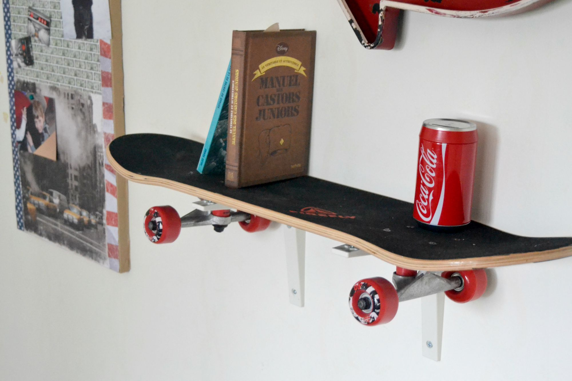 L 39 tag re skate d co chambre d 39 ado chambre gar on pinterest deco chambre chambre et deco - Etagere pour chambre ado ...