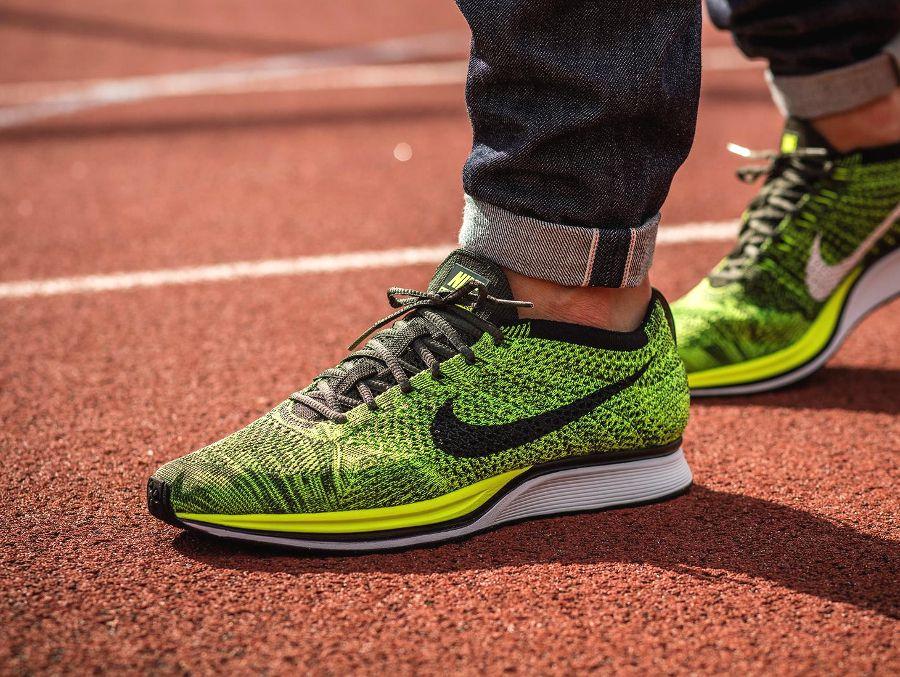 Nike Flyknit Corredor Voltios / Negro-secuoya
