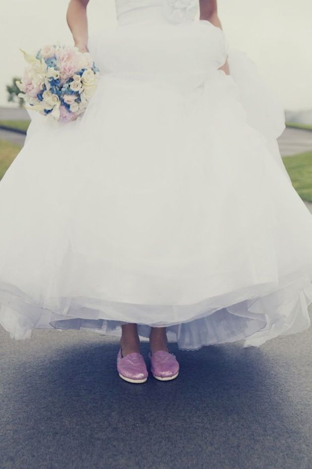 15 Ways to Wear Flat Shoes at Your Wedding | Flat wedding shoes ...