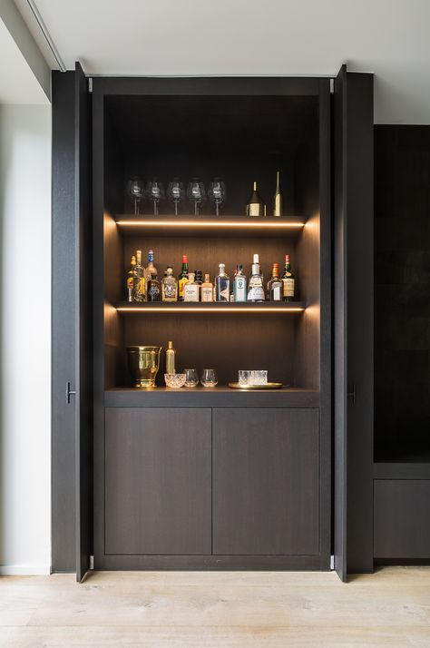 Pivot Sliding Doors Conceal The Bar Bar Maison Moderne Mobilier De Bar Bar Interieur