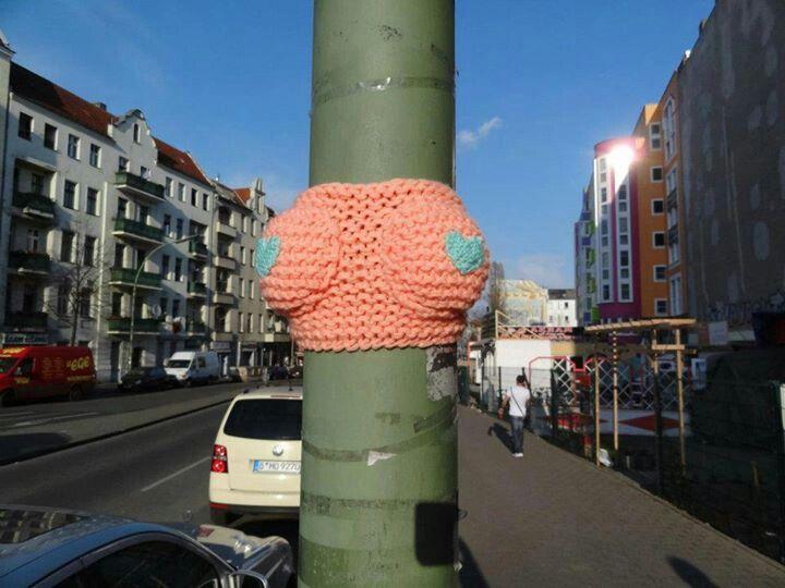 Interesting yarn bombing on a lamp post/street light!
