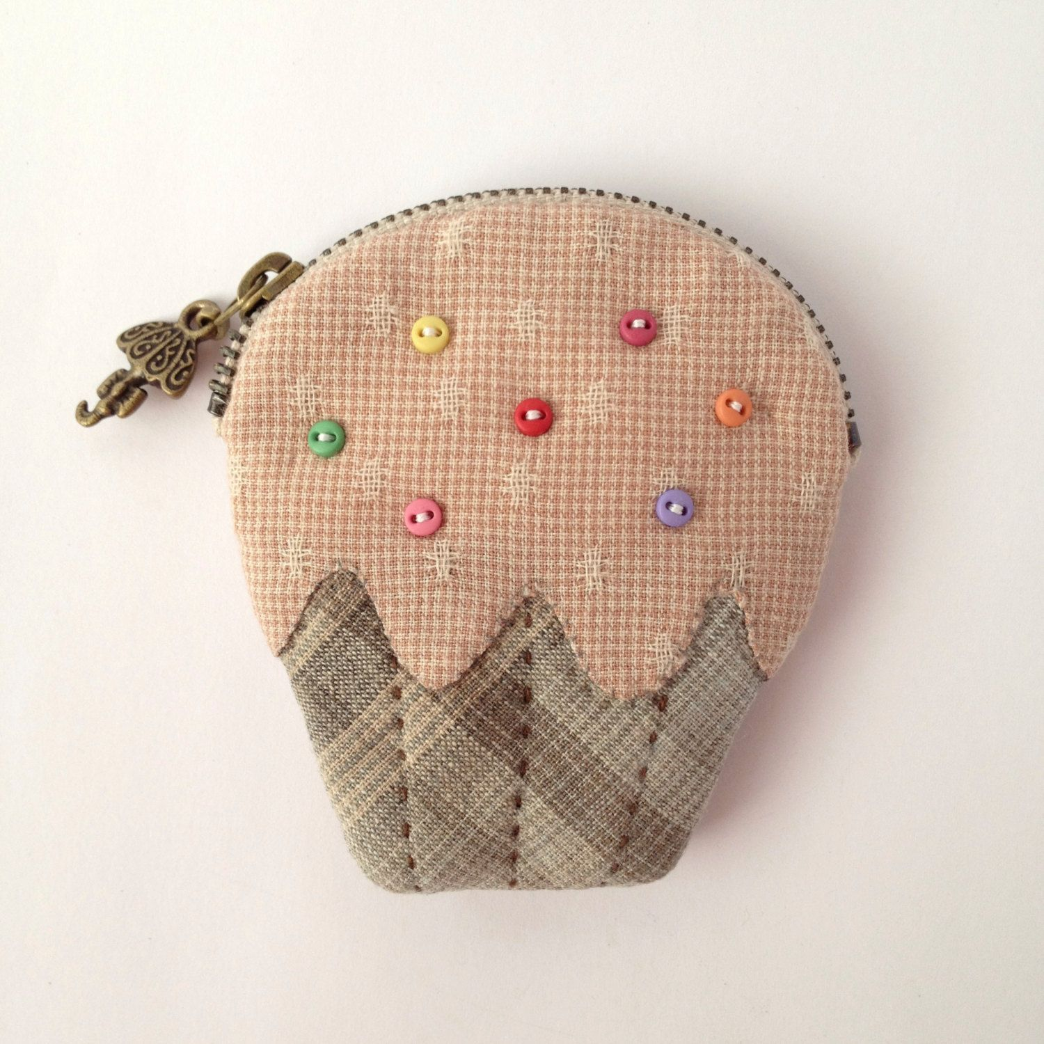 Coin Purse and Pouch with Cute Ice Cream Applique. ££11.00 GBP, via Etsy.