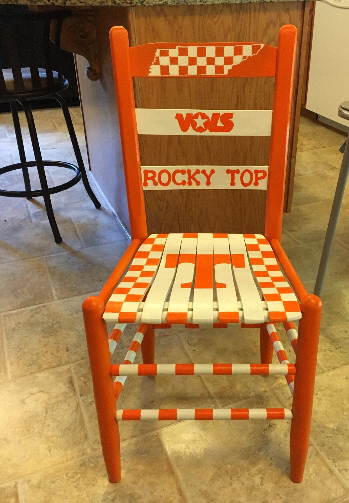 Strange Tennessee Volunteers Painted Wooden Chair Painted Wooden Dailytribune Chair Design For Home Dailytribuneorg