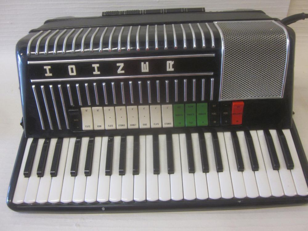 Get Learn to play the accordion - Microsoft Store