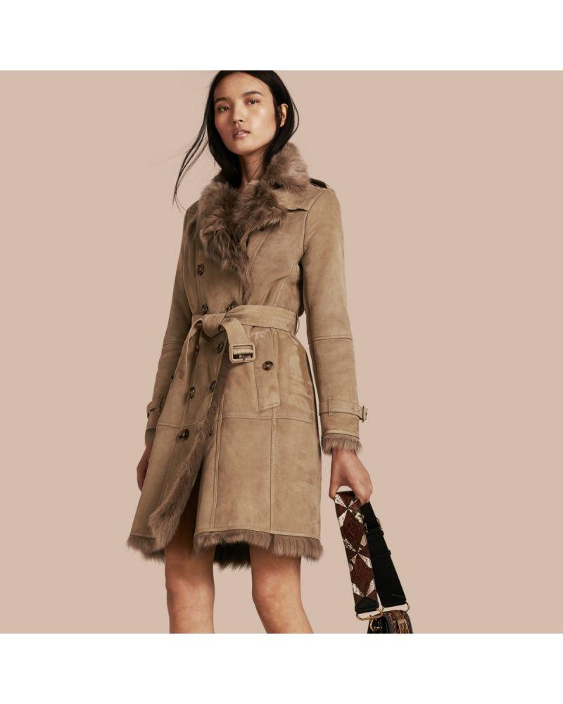Burberry Damen Trenchcoat Aus Lammfell Bei Mybestbrands Entdecken Damen Trenchcoat Mantel Burberry Trenchcoats