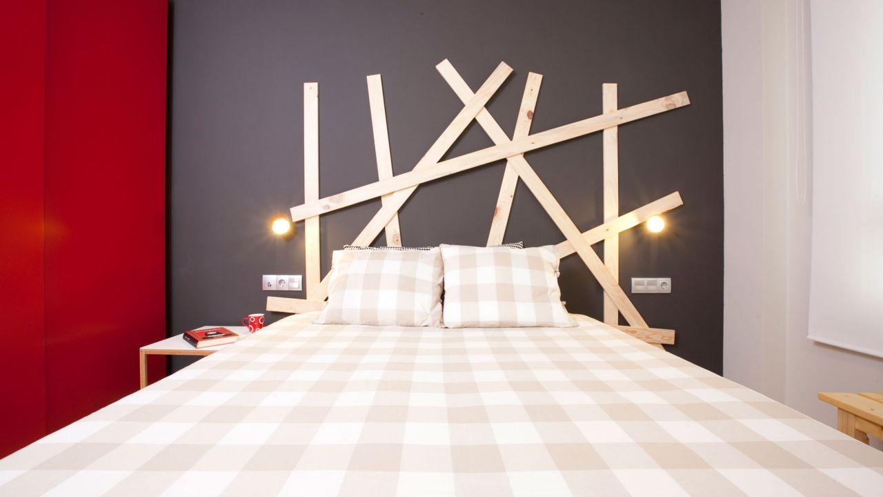 ideas para hacer un cabecero con tablas de madera atrevido y diferente