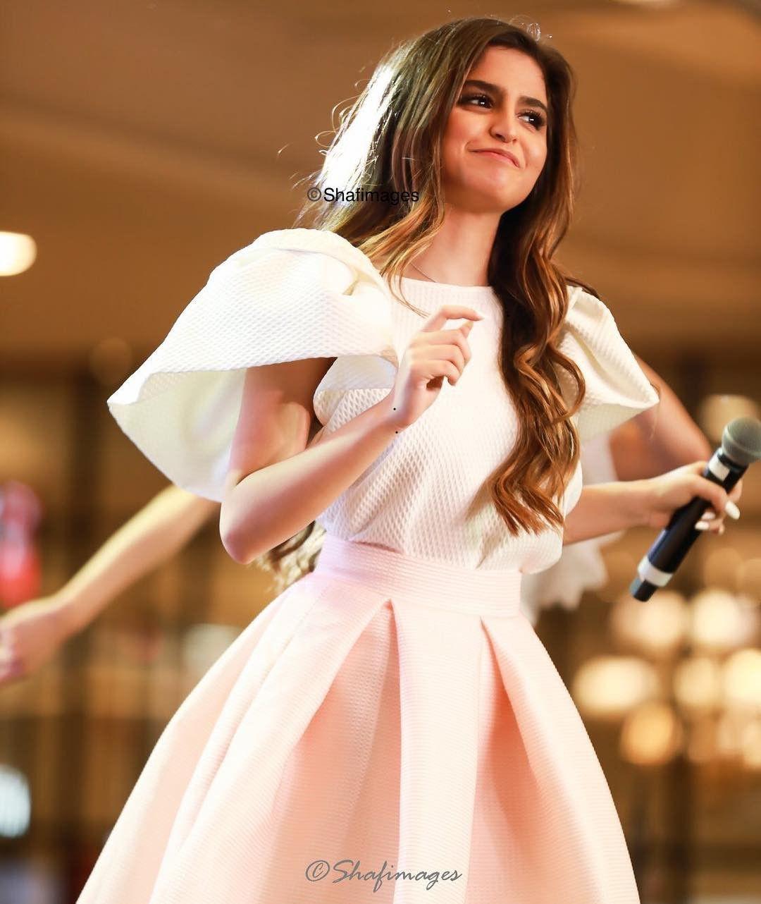 الصور حلا الترك Hala Al Turk Dresses Graduation Dress