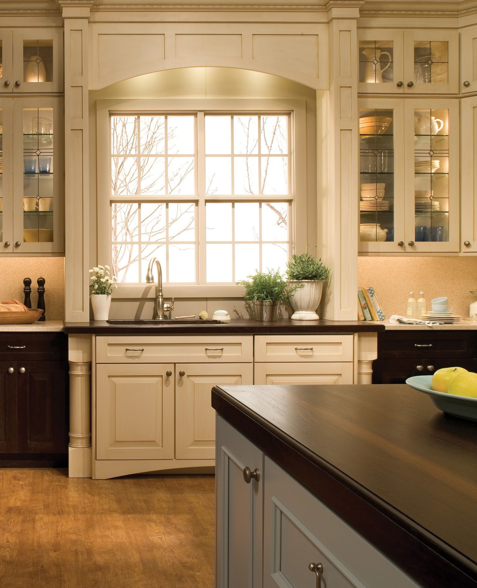 Dura Supremeu0027s Crestwood #Cabinetry. Shown With The U201cLancasteru201d  Cabinet Door Style In Quarter Sawn Oak With U201cCocoa Brownu201d Stained  Finish ...